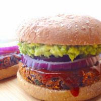 *No Crumble* BBQ Black Bean Burgers