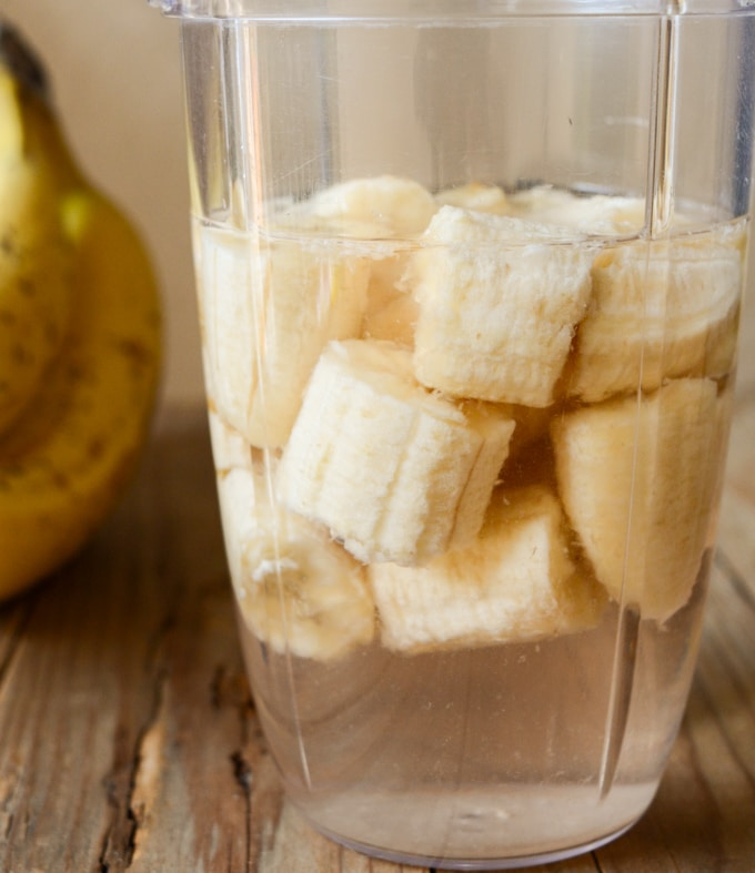 banana's and water in a blender to make banana milk.