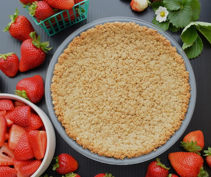Vegan Strawberry pie crust made with walnuts and oats.