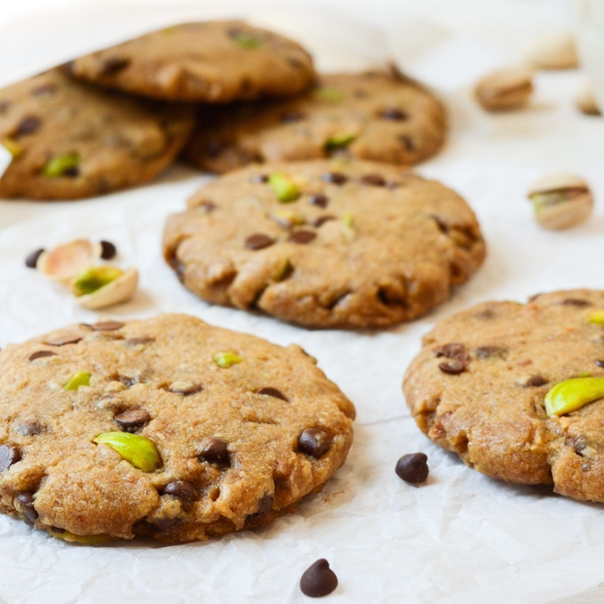 Pistachio Chocolate Chip Cookies (vegan)