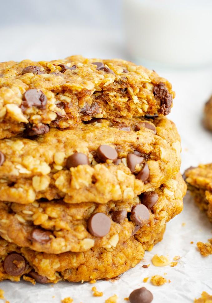Vegan oatmeal cookie with chocolate chips broken in half.
